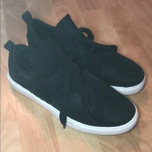 Brash Black Tennis Shoes